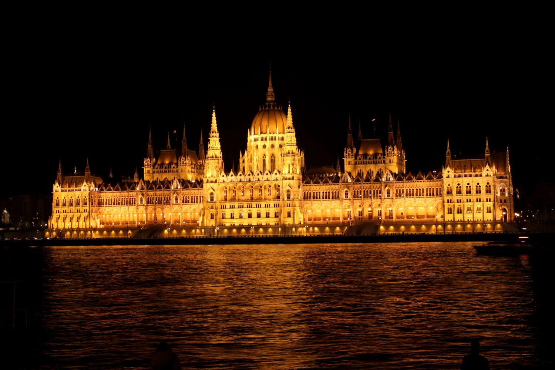 Budapeszt noca Parlament