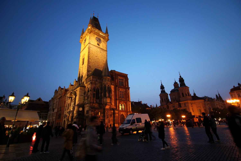 Ratusz Staromiejski wieczorem Praga