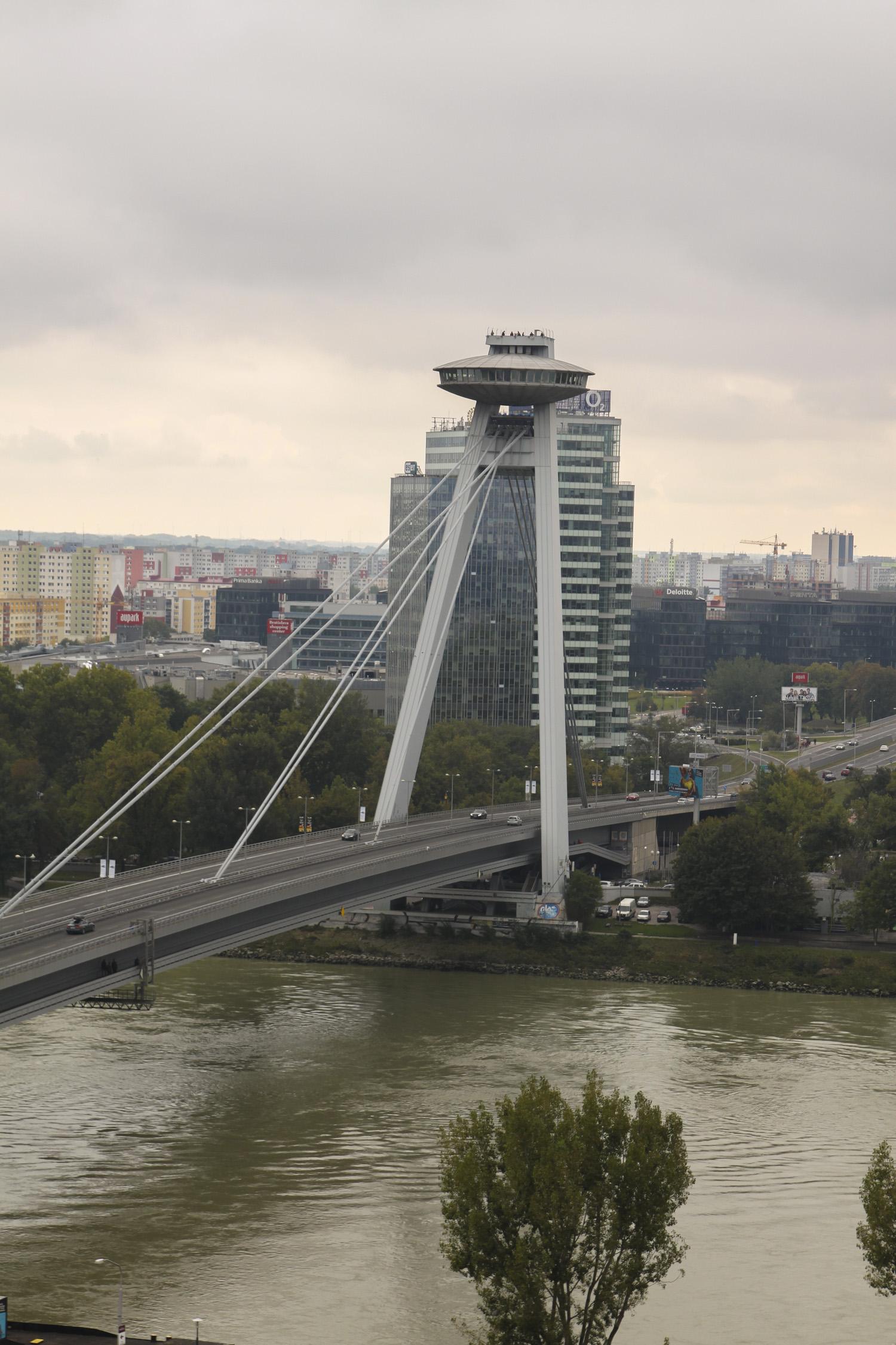 Bratysława most SNP UFO