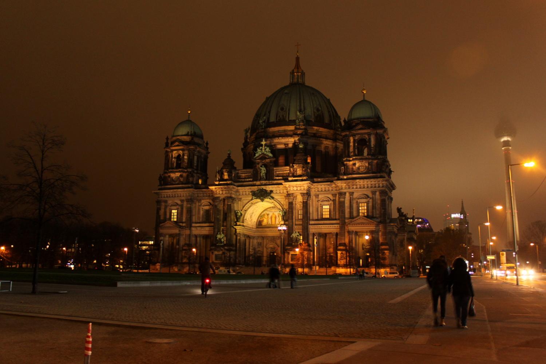 katedra berlińska nocą