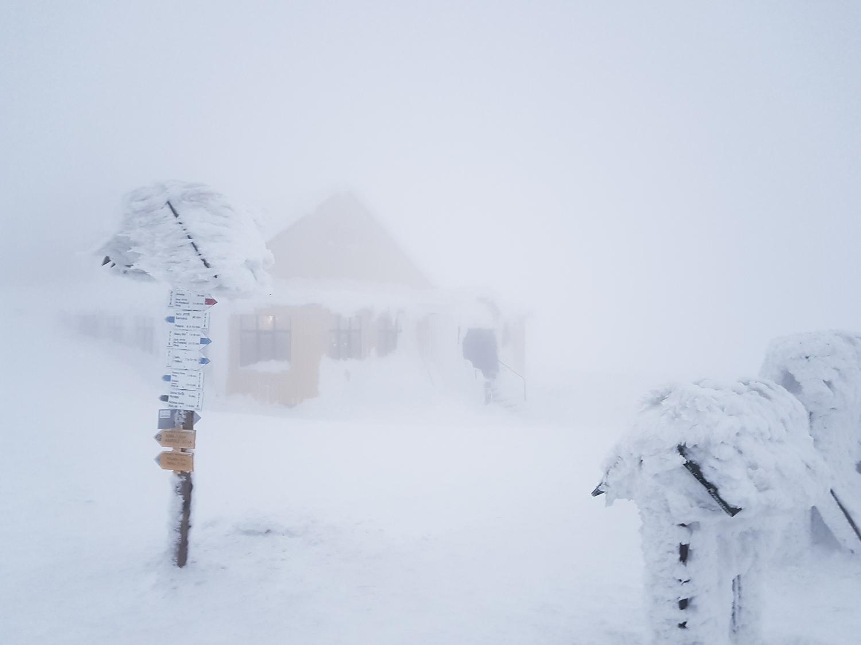 Karkonosze schronisko Śnieżka Dom Śląski